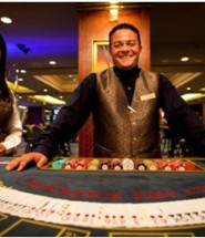 casino dealer salary